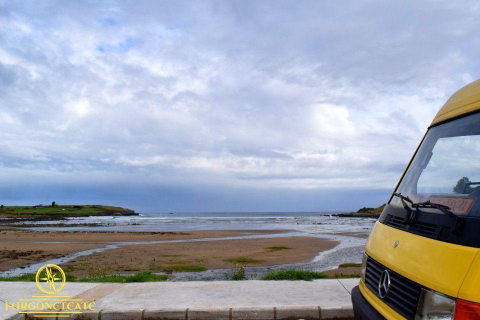 Área Recreativa y Playa de Bañugues