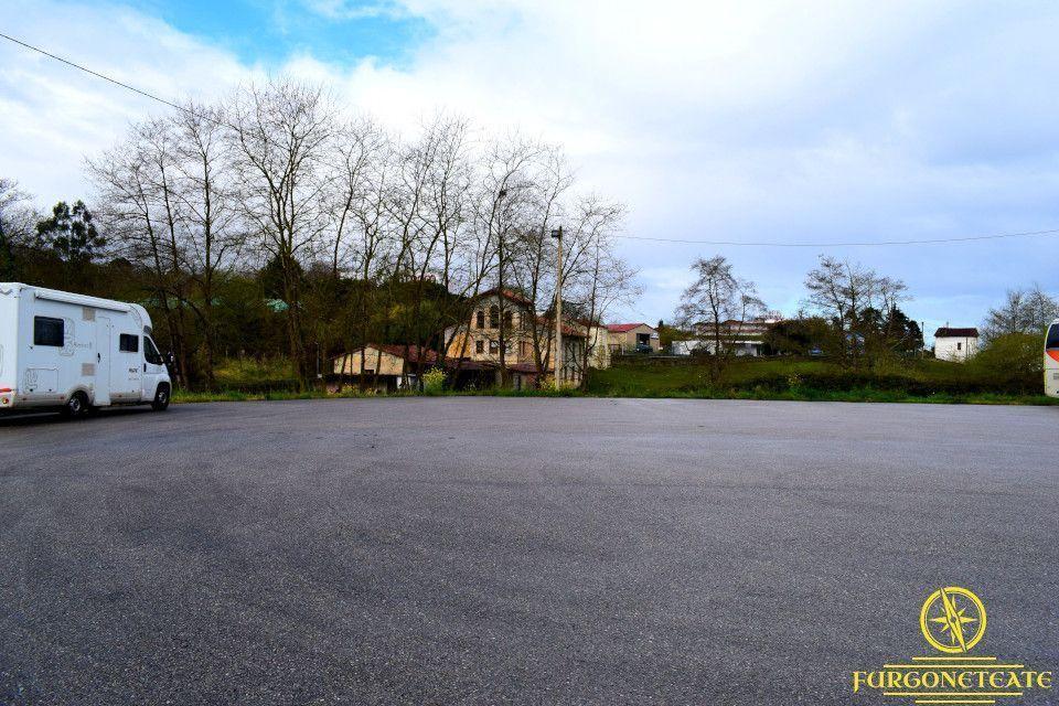 Área de Autocaravanas de Pimiango, Ribadedeva ( Asturias )