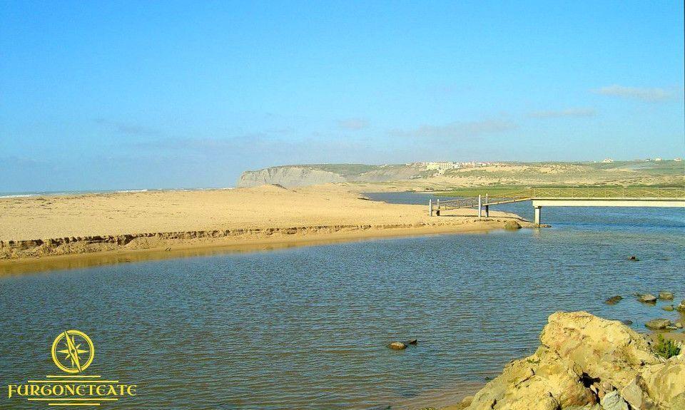 Área de Autocaravanas de Playa o Praia da Foz do Sizandro